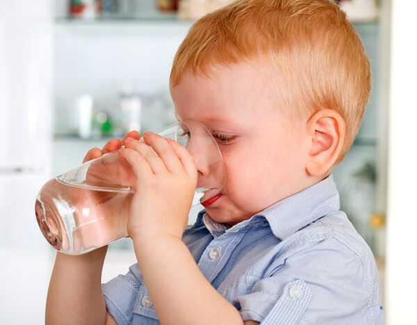 Можно пить газировку при ОРЗ и боли в горле?