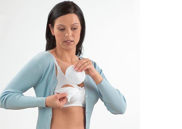 Приливы молока, причины подтекания молока, что делать при вытекании молока