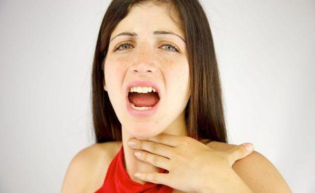 Начал хрипеть голос из-за менопаузы, что можно сделать?