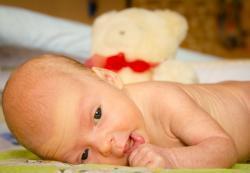 Кишечные инфекции у грудничков: лечение, осложнения, последствия, первая помощь