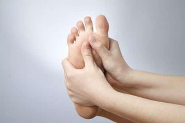 Перелом пальца на ноге: причины, диагностика, первая помощь, лечение