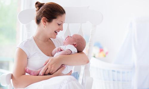 Что означают выделения на ранней стадии беременности?